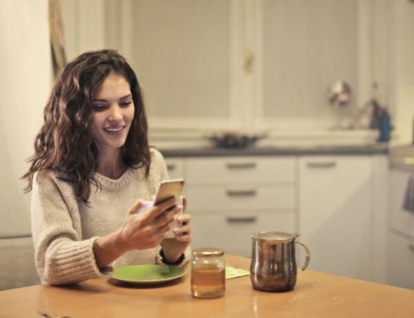 comment faire rire une fille par SMS